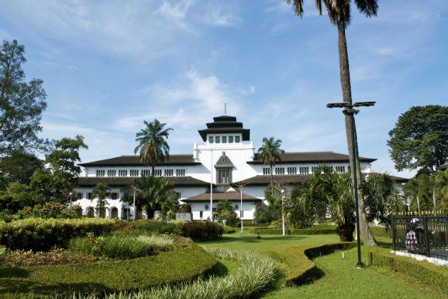 Tempat Buka Puasa di Bandung yang Enak, Murah & Hemat
