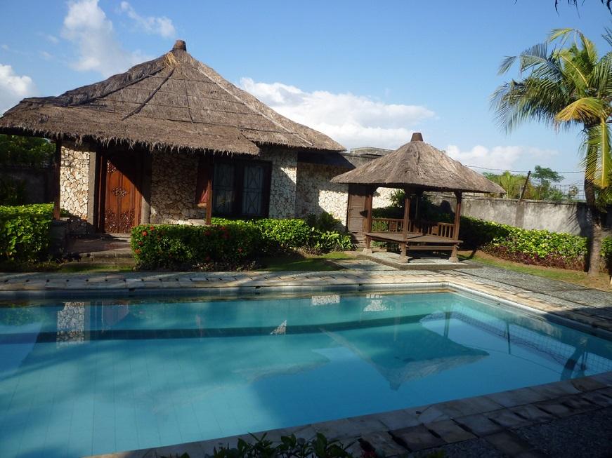 Desain Villa Bernuansa Rumah Adat Bali