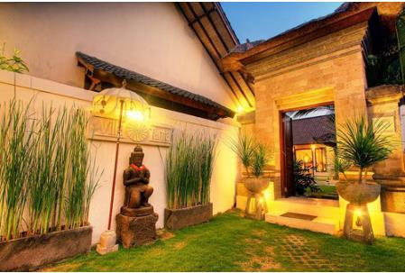 Sentuhan Aksesoris Rumah Adat Bali