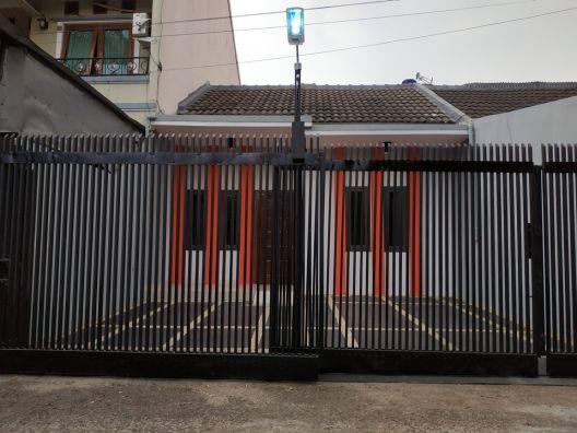 Rumah Minimalis Dalam Komplek Taman Cibaduyut Indah Dekat